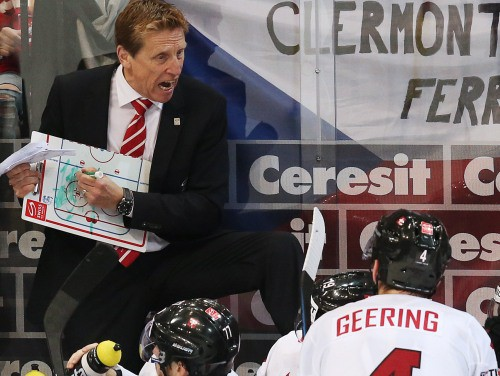 Henlons pamet Šveices izlases galvenā trenera amatu