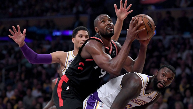 """Ibaka trāpa pirmos 14 metienus un palīdz sagādāt antirekordu """"Lakers"""""""