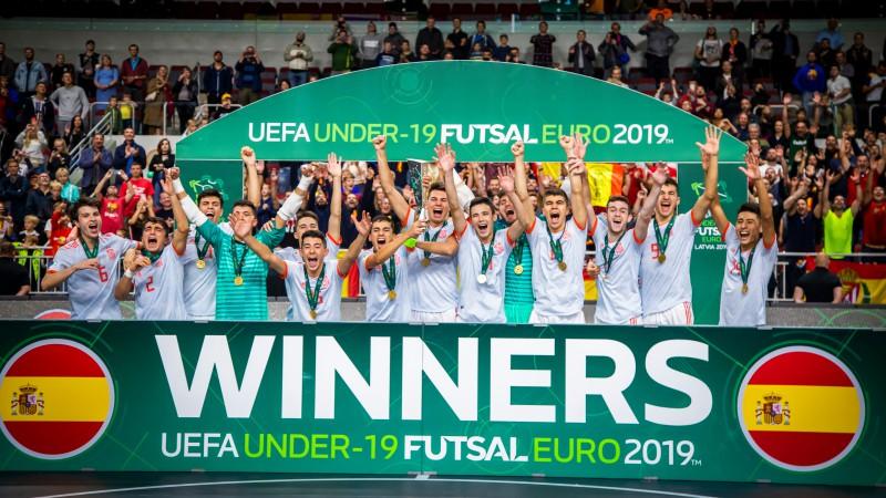 Spāņi triumfē Rīgā un kļūst par pirmajiem Eiropas čempioniem U19 vecumā