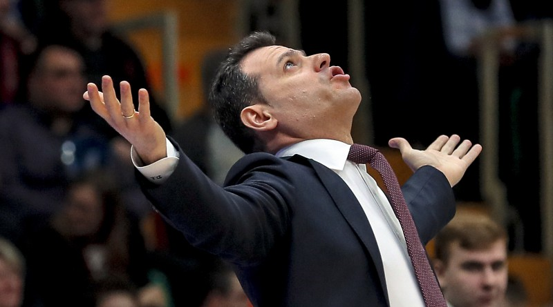 Maskavas CSKA galvenais treneris Itudis saslimis ar Covid-19