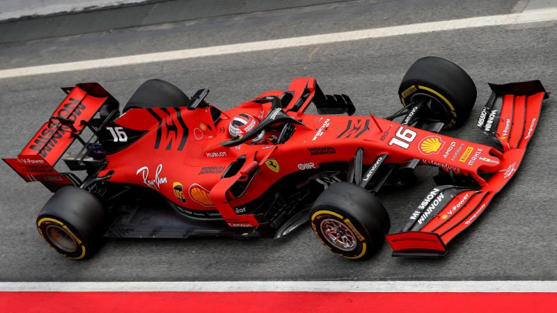 F1 piloti Leklērs un Albons uzvar virtuālajās sacīkstēs Spā un Baku