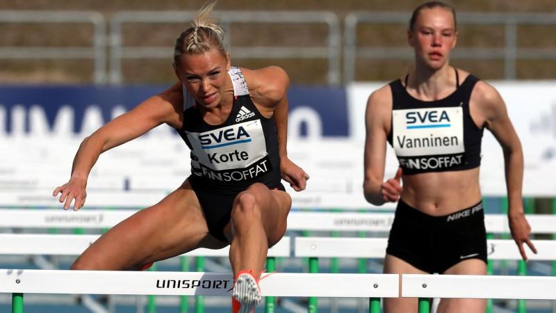 Somijā un Ungārijā laboti pasaules sezonas rekordi, Krēgers šovakar leks tālumu Čehijā