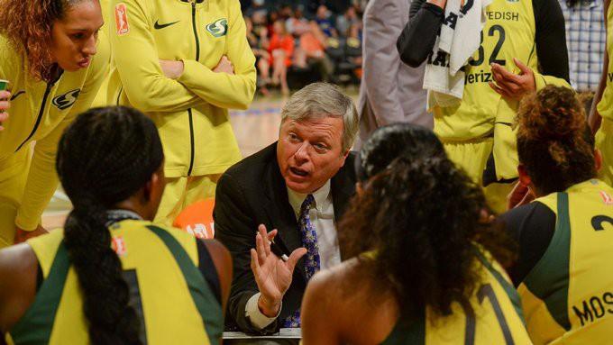 Laksas pārstāvētās komandas galvenais treneris izlaidīs WNBA sezonu