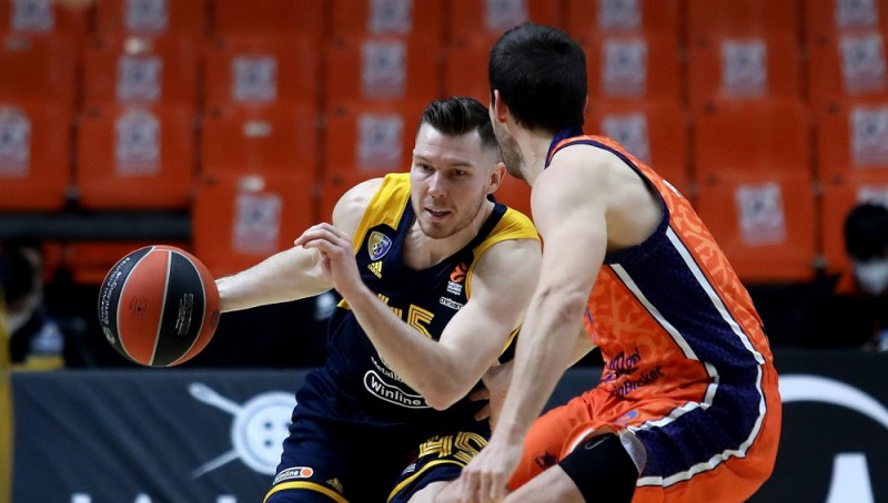 """""""Khimki"""" komanda nokārtojusi parādus pret Dairi Bertānu"""