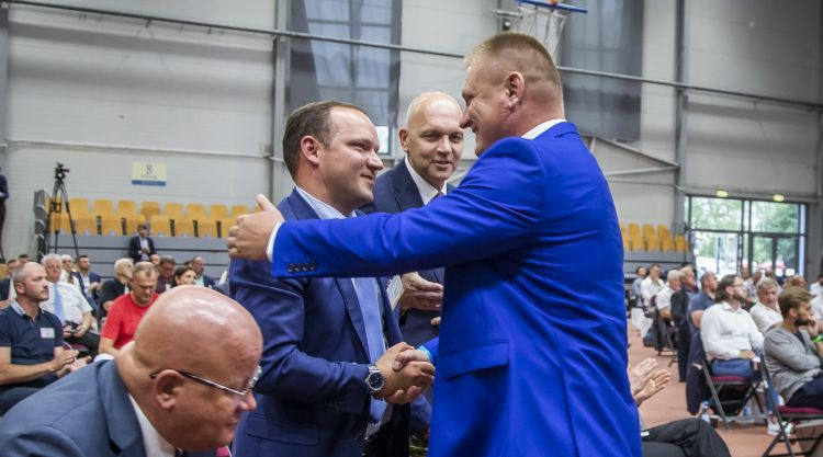 Viedoklis: Ķīviņi, nepastāvība, tirgus placis – Latvijas futbola politikas ilgstošais haoss
