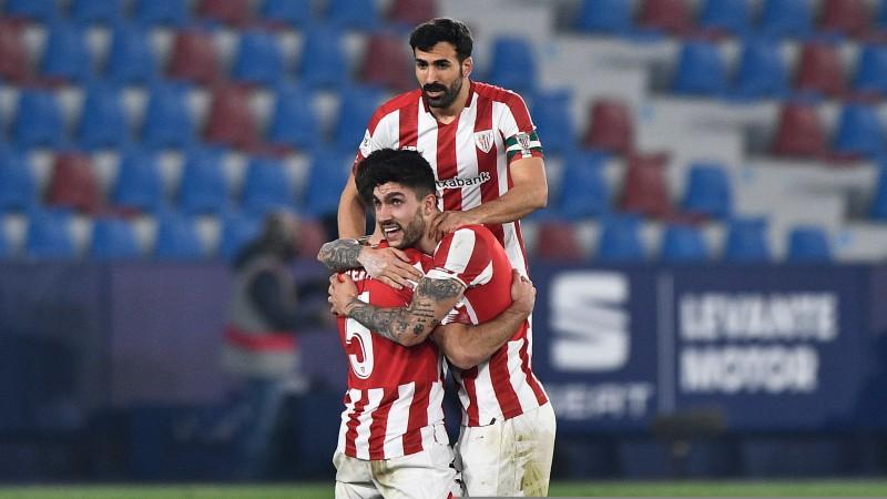 """""""Athletic"""" atspēlējas un papildlaikā izrauj uzvaru; Karaļa kausa finālā Superkausa atkārtojums pret Barselonu"""