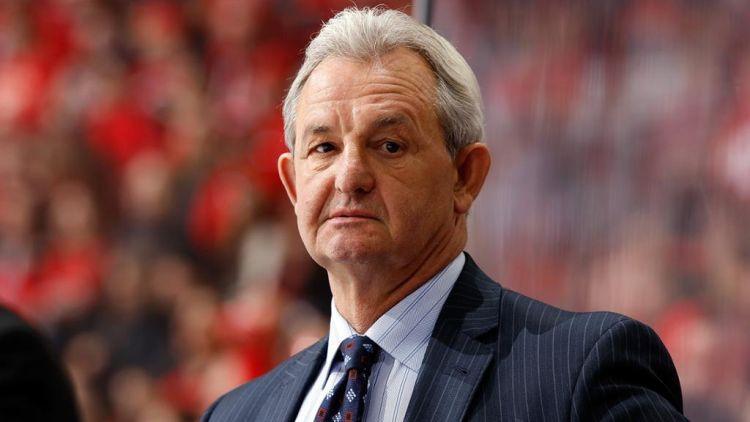 """Ripo vēl viena NHL trenera galva, """"Flames"""" vietā pieņem veterānu Sateru"""