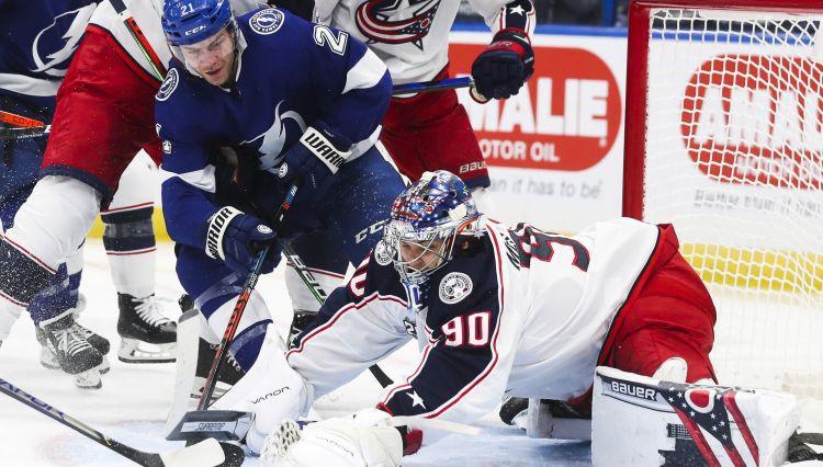 Merzļikins aizved Kolumbusu līdz uzvarai pār NHL čempioniem
