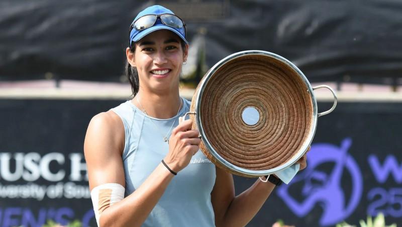 Šarma atspēlējas pret favorīti Žabūru un Čārlstonā iegūst pirmo WTA titulu