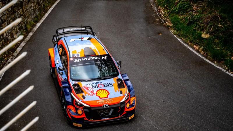 """Tanaks paliks """"Hyundai"""" komandā arī nākamajā WRC sezonā"""