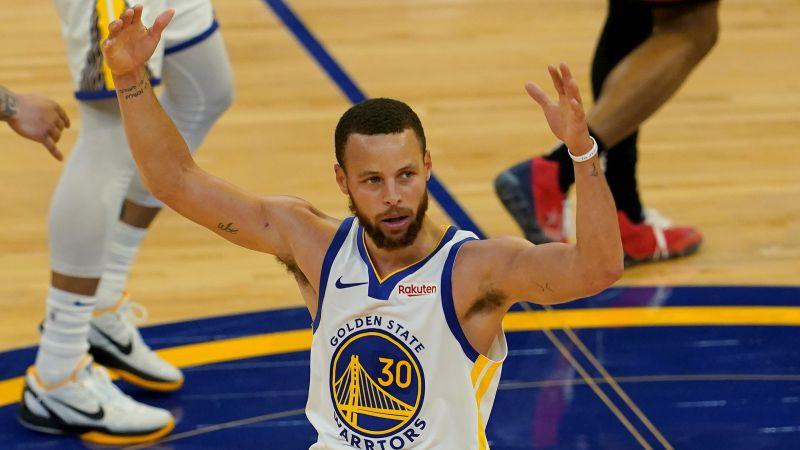 """Karijs iemet 46 un tiek pie rezultatīvākā spēlētāja titula, """"Warriors"""" iegūst 8. vietu"""