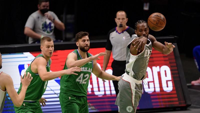 """""""Play-off"""" matemātika: """"Mavericks"""" mazāk izredžu uz pārsteigumu nekā """"Lakers"""""""