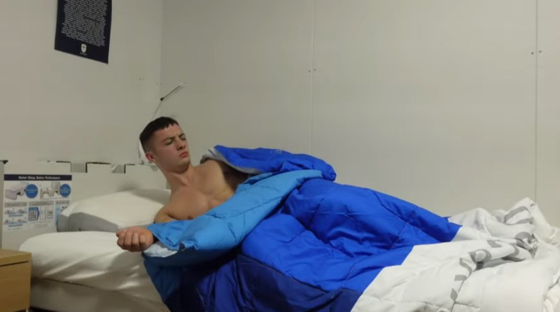 "Olimpietis veic ""antiseksa"" gultas testu"