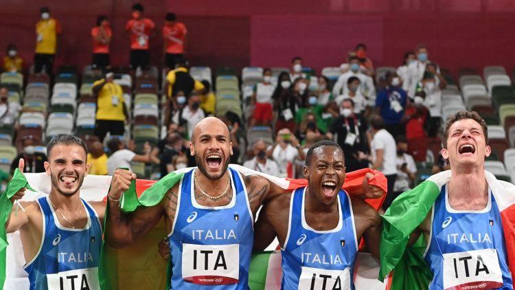 Itālija triumfē arī sprinta stafetē, jamaikietei Tompsonei-Herai trešais zelts Tokijā