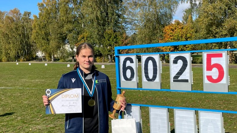 Vesera mešanas talante Jansena labo trīs Latvijas rekordus